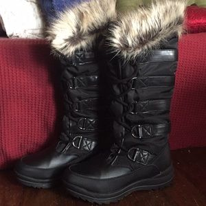 Brand new Guess winter boots